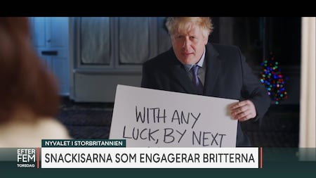 Hugh Grants ilska mot Boris Johnson som härmar klassiska julfilmsscenen