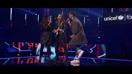 "Carola, Mariette och Måns Zelmerlöw rockar loss till ""Where The Streets Have No Name"""