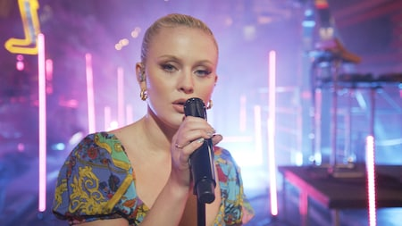 Zara Larsson - Carry You Home (Late Night Concert)