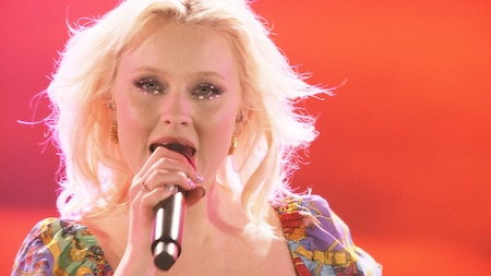 Zara Larsson - Never Forget You - (Late Night Concert)